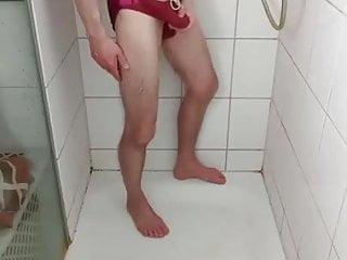 me in shower cum