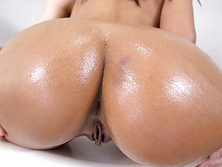 Alina belle has epic round ass...