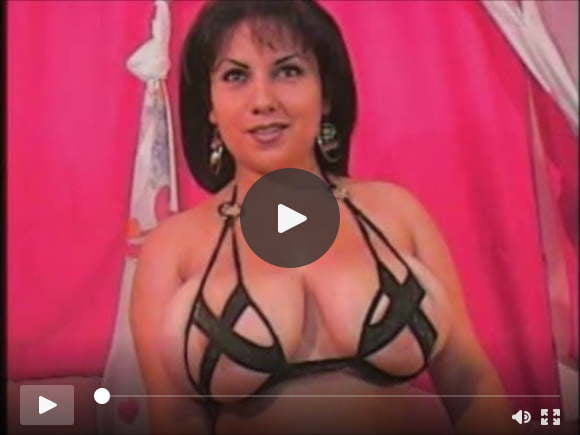 brunette with interesting bra on camsexfilms of videos