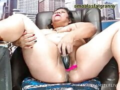 Rich old woman takes off the juice with a plastic dick