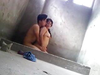 Desi indian bathroom sex...
