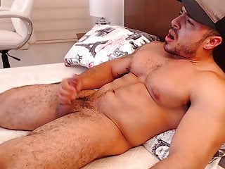 Muscular hot latino derek shoots his load...
