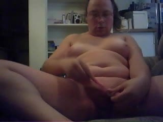Me shaveing pussy...