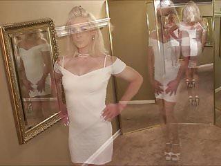 Jessie modeling my new dress...