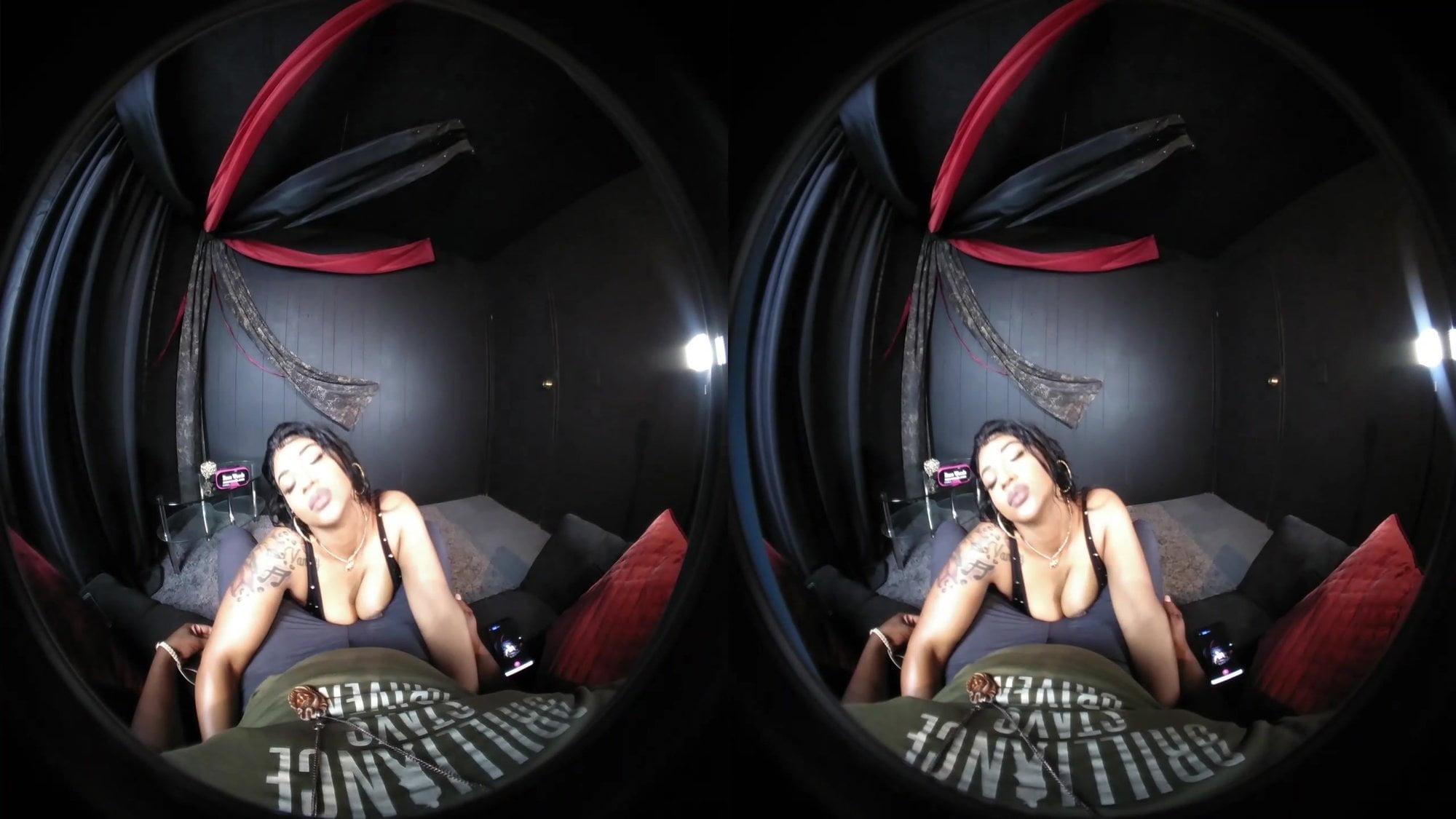 Ebony Twerk in VR180 Virtual Reality