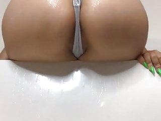 Sexy twerk...