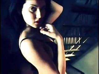 Maria Ozawa's sensual dance