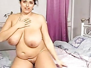 Sweet big boob arab bbw milf playing...