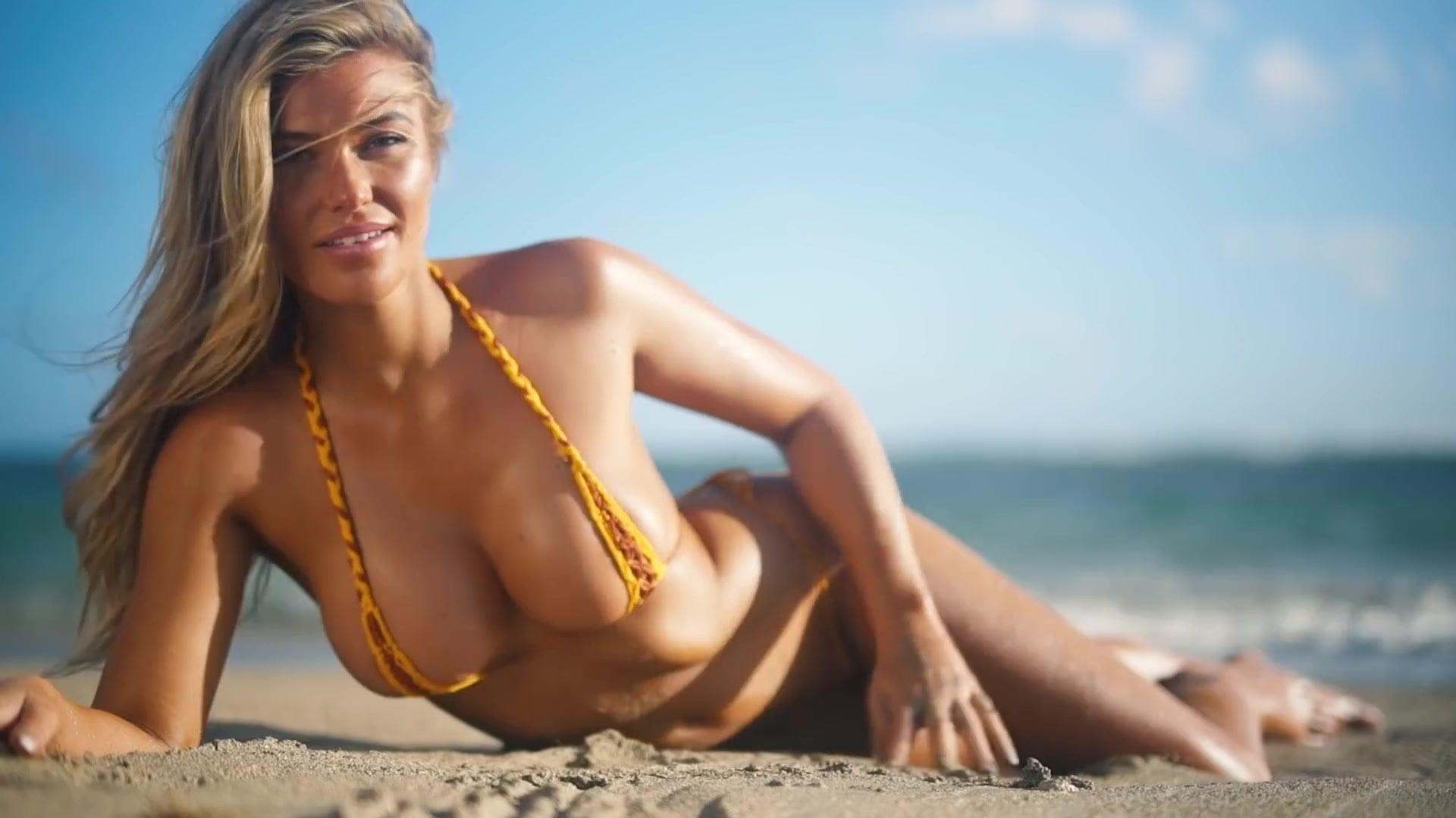 Samantha Hoopes in bkini