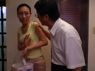 Humiliation video: Sexy Japanese Milf Farts