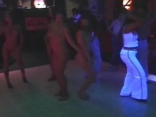 5 naked girls dancing in disco at Czech Republic