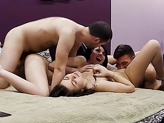 Real orgy fun home action...