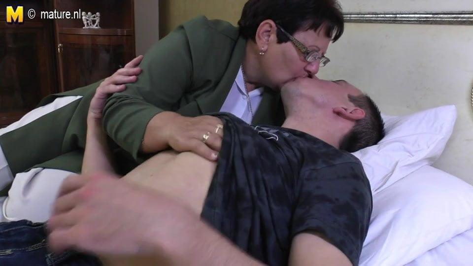 Russian Mature Young Lesbian