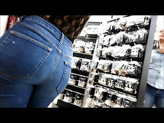 Teen Big Ass Latina video: hot teen nice ass in jeans