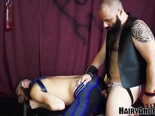 Hairyandraw fucked before giving head and bareback...