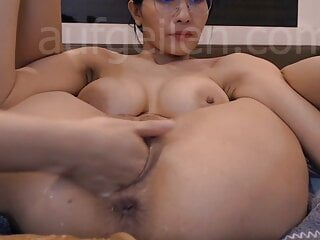 Asian milf wants his fist inside her cunt