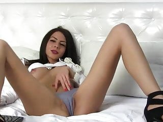 Lj ashleywels topless pussy play...