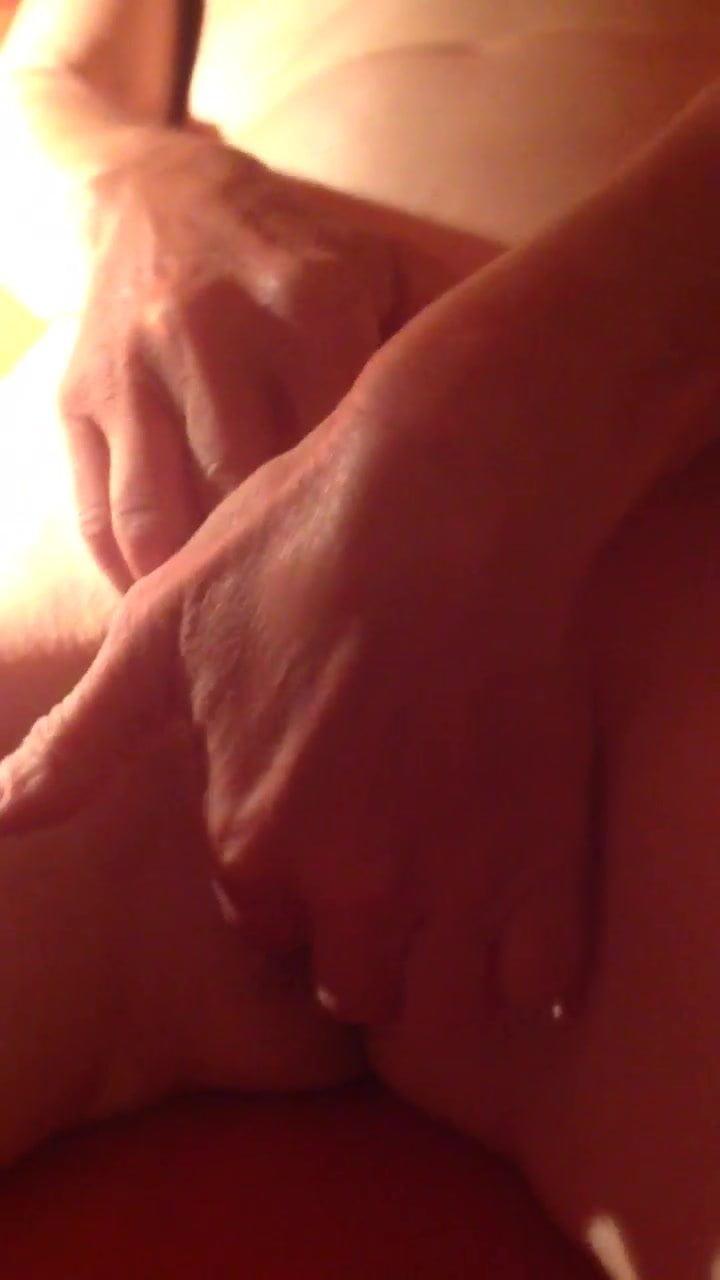 herausziehen muschi haare mit der hand