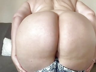 Sexxxy mature get naked...