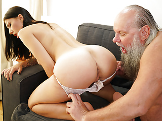 Old Amp Hd Videos Deep Throat video: Mature Dick Makes The Intern Moan
