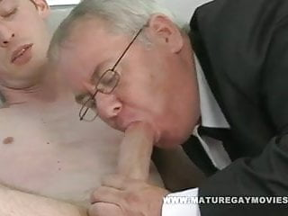 Chubby daddy sucks and admirer...