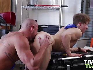 TRAILERTRASHBOYS Muscular Michael Roman Raw Breeds Felix Fox