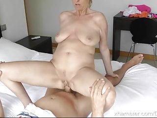 Den blonda mormor och främlingen