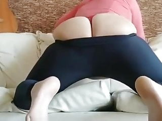 Hot women bbw in leggins show ass...