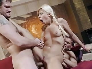 Jessie Volt getting Double penetrated
