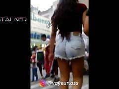 Candid Big Ass Walking in Tight Jeans Shorts