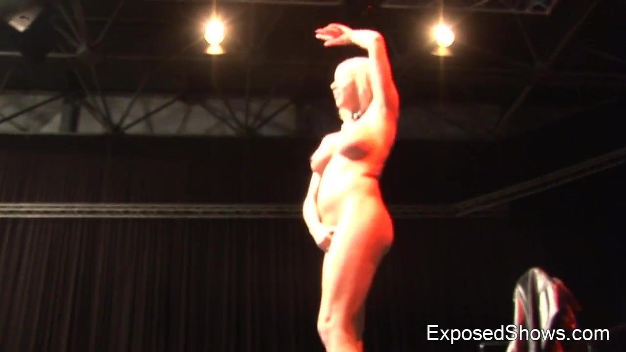 Naked blonde loves teasing horny men