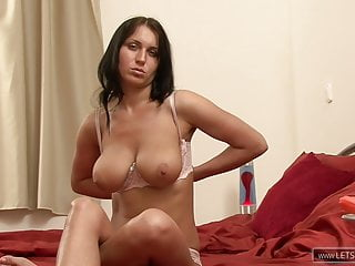 junges girl zeigt was sie hat  mega pussyPorn Videos