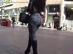Candid Jeans Walking, an amazing ASS!