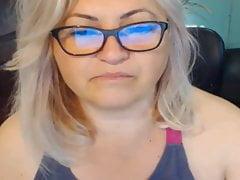 BBW blonde mature on webcam,