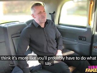 FemaleFakeTaxi Sexy driver ama un cazzo duro