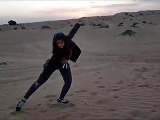 Desert hot belly dance