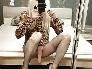Cum in extreme heels...