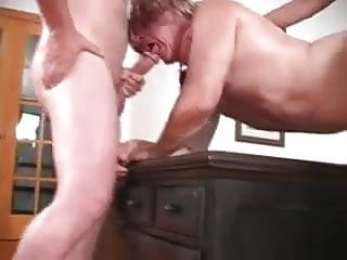 Woman fucks a guy and him...