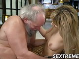 Young pussy fucked old dude with gray hair and beard