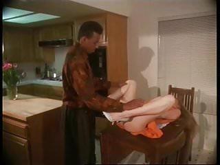 Moana Pozzi con uomo di colore in Manbait 2 1992