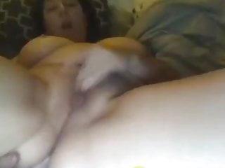 American milf masturbating