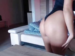 Hot MILF show her body