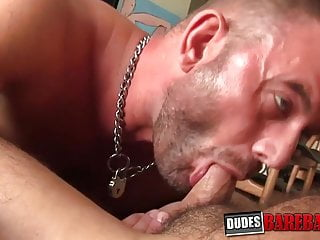 Bearded stud has his ass stretched in barebacking session