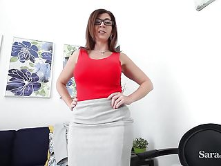 L insegnante tettona Sara Jay vuole che tu guadagni credito Xtra