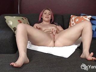 Lovely yanks chubby sarah fucks dildo...