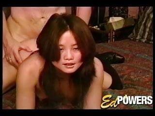熱亞洲布魯克李在小狗風格他媽的通過埃德權力