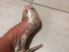 Hot mexican slut Marcela take out her heel a showis her feet
