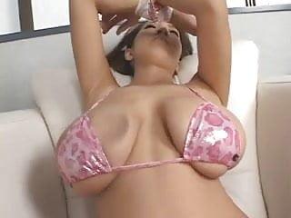 華麗亞洲與大奶