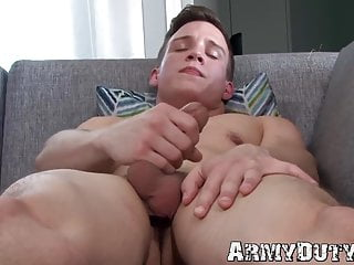 Beautiful athletic soldier mike hollister strokes cock solo...