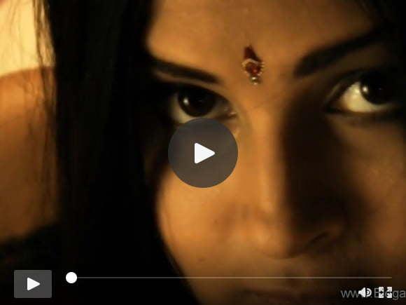 एशिया से रहस्यमय भारतीय महिला
